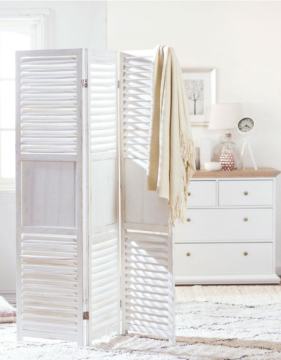 compartir dormitorio biombo blanco