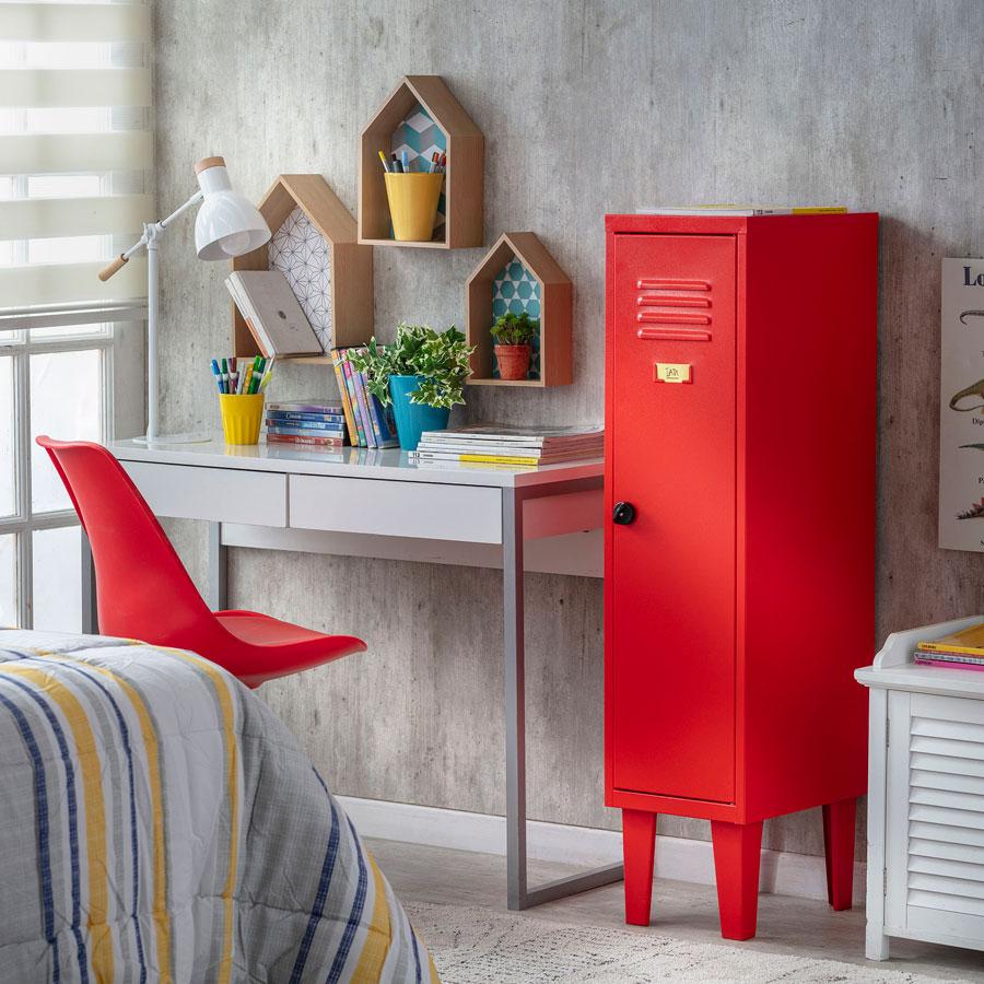 escritorio rojo compartir dormitorio