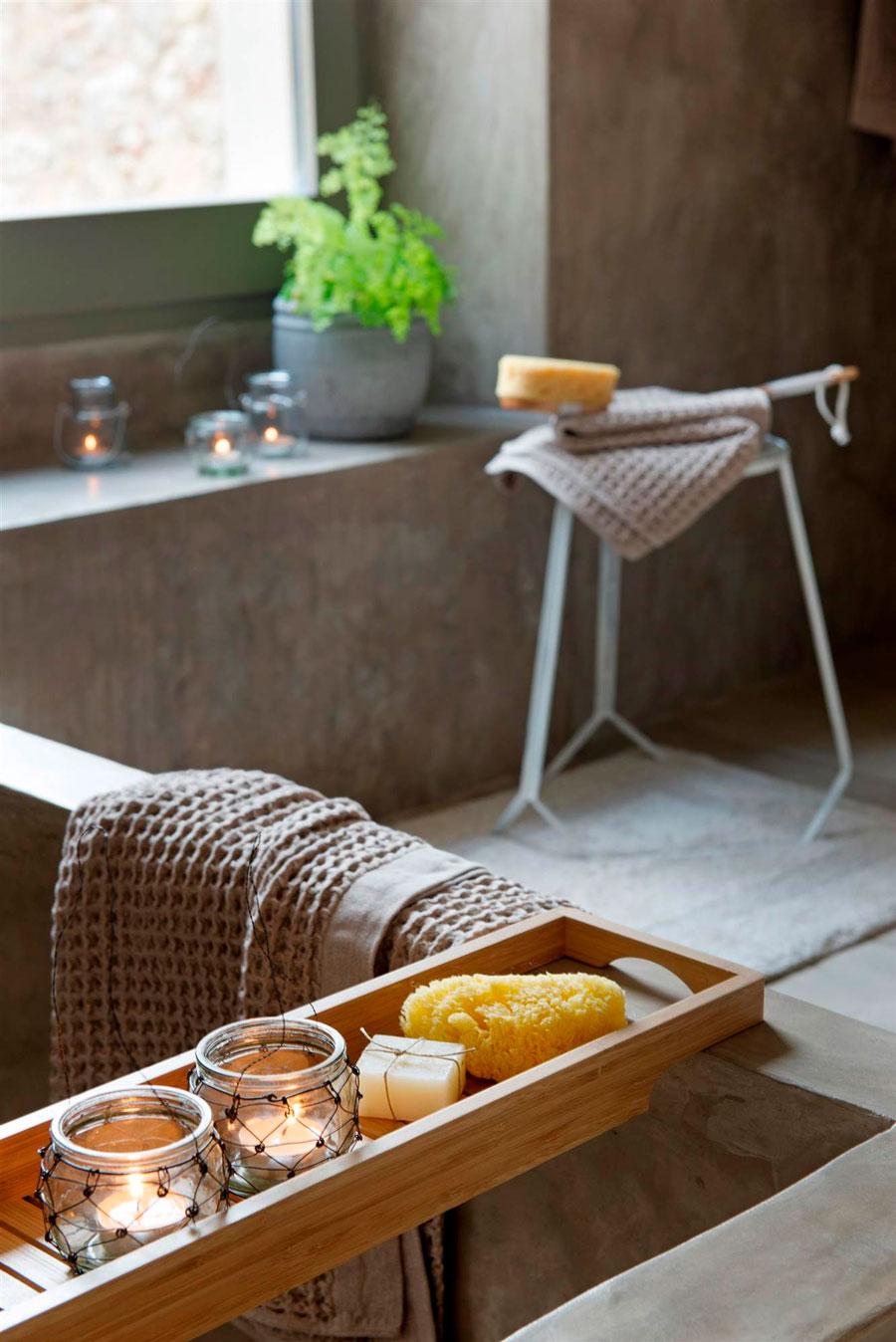 bandejas para los elementos de un baño de tina