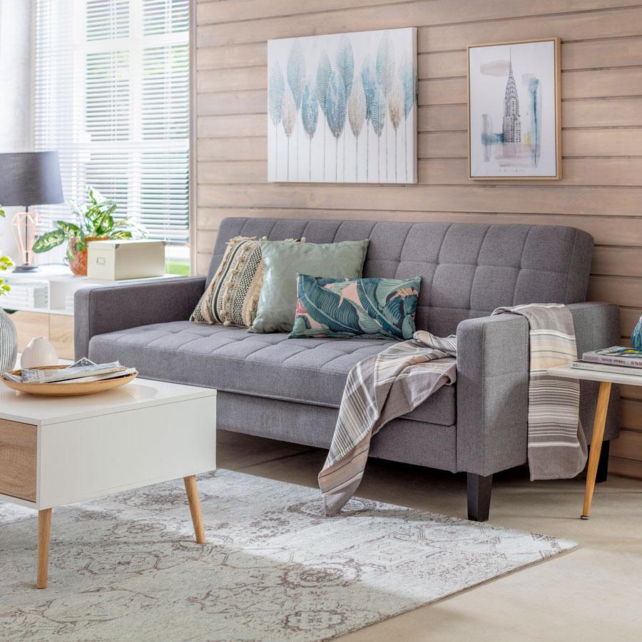 living pequeño con futón gris