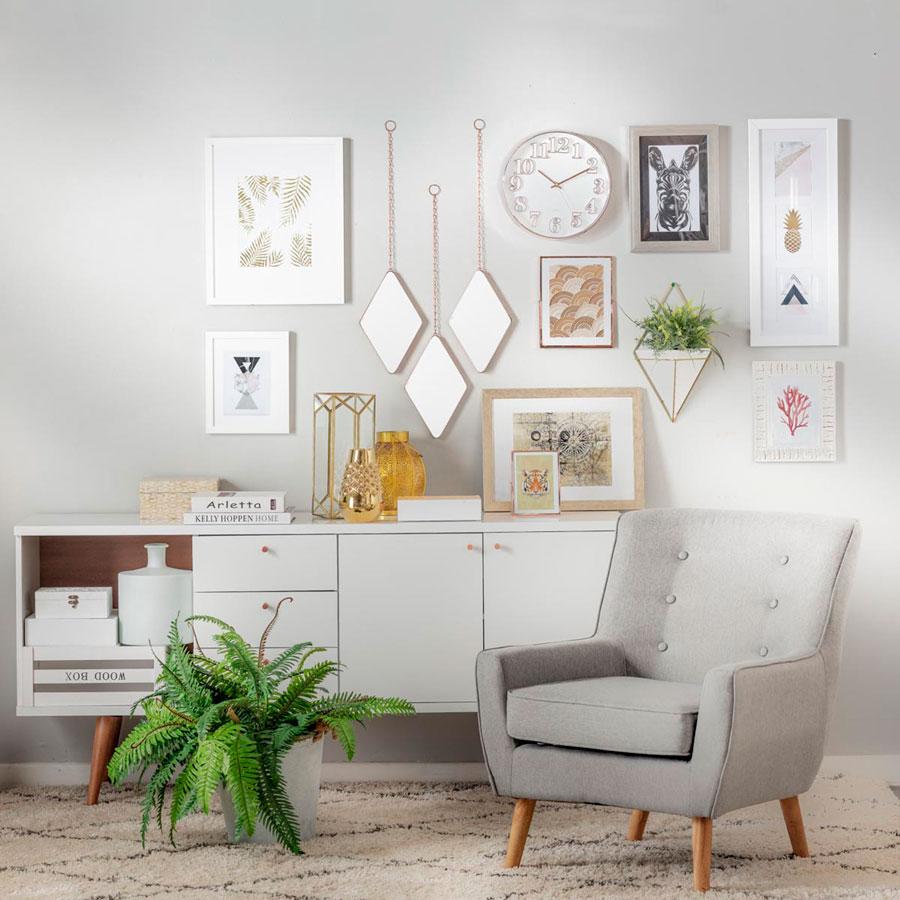 Muebles en una sala de estar estilo minimalista.