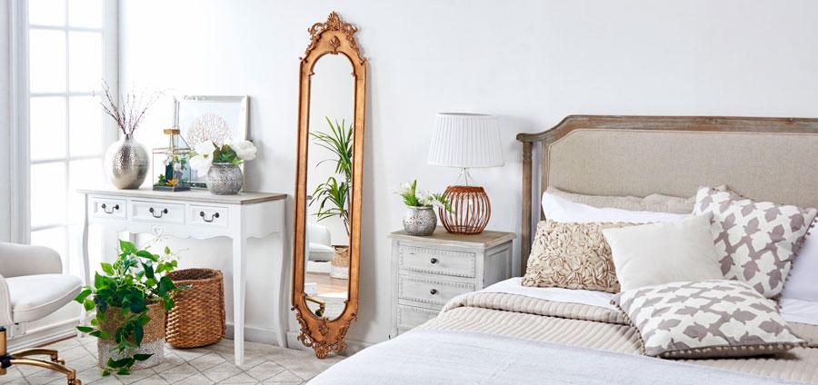 decoración de dormitorio con espejo cuerpo entero