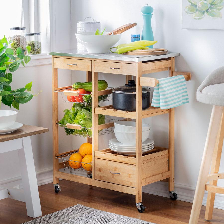 Residuo cero: frutero de madera y metal para guardar frutas y verduras.