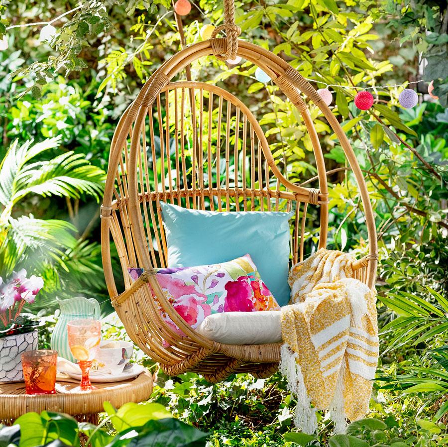 Sillas colgantes y reposeras: un toque de relax para tu verano - Blog  Decolovers