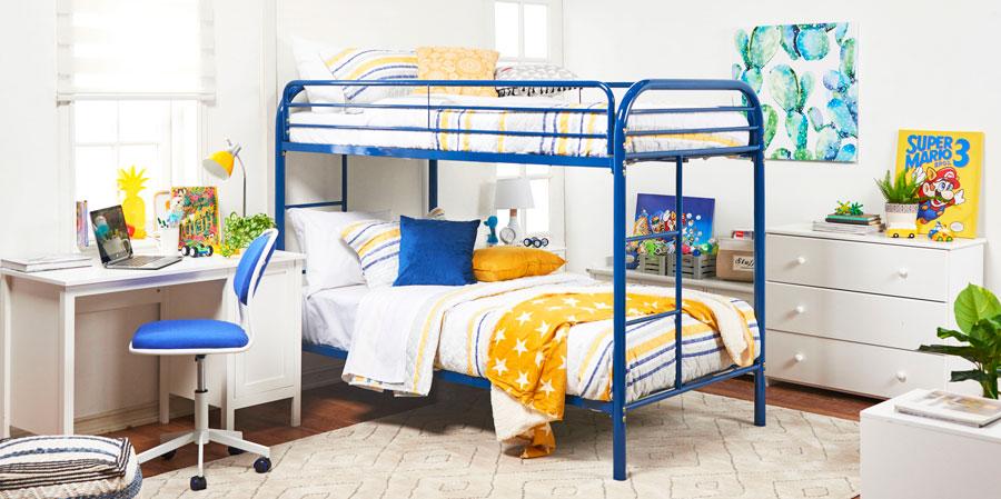 Dormitorio infantil con cama doble