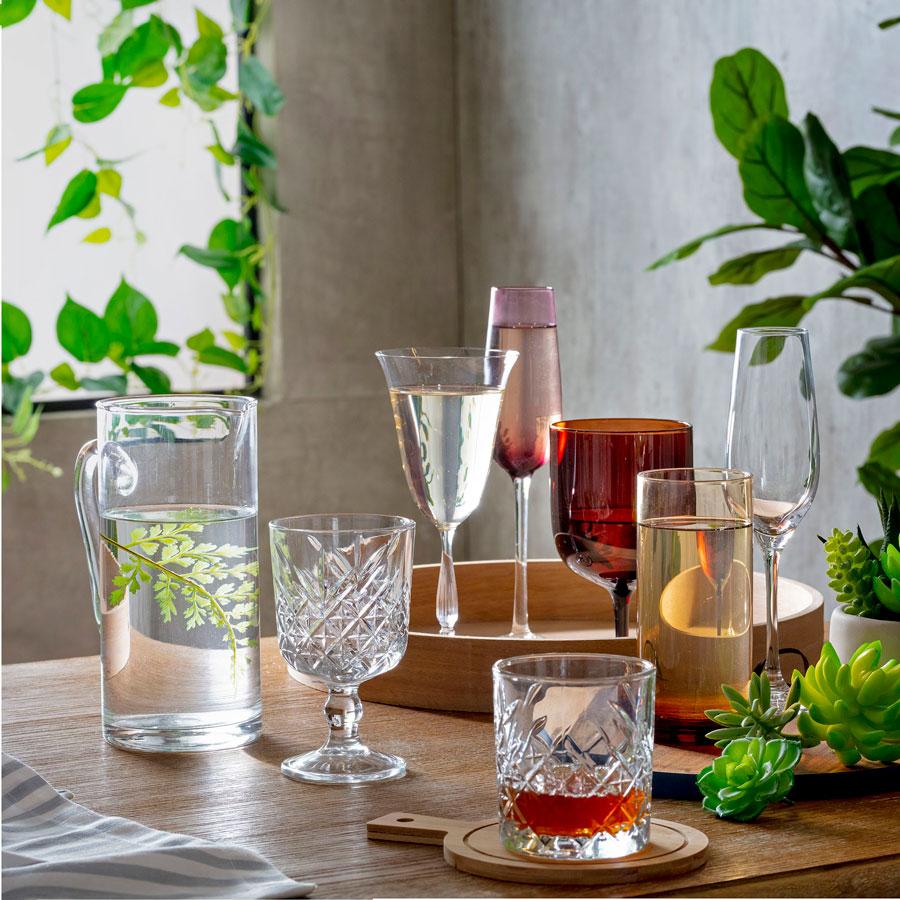 Como armar un bar en casa: vasos y copas