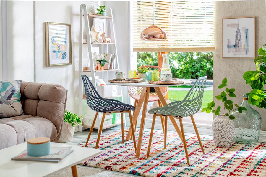 Casa sana: comedor con ventana para ventilar