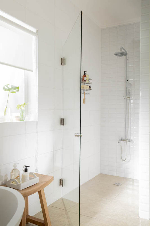 Decoracion de baño pequeño, mamparas para ducha