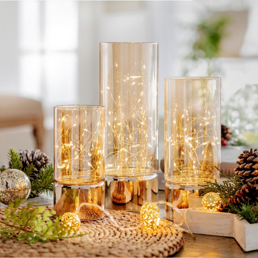 Fanales con luces de navidad