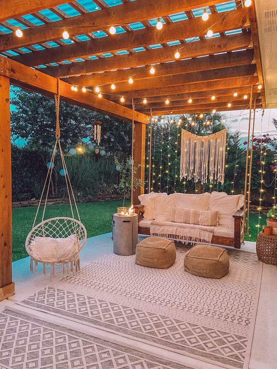 Terraza con muebles de exterior, organizado con una linda disposición.