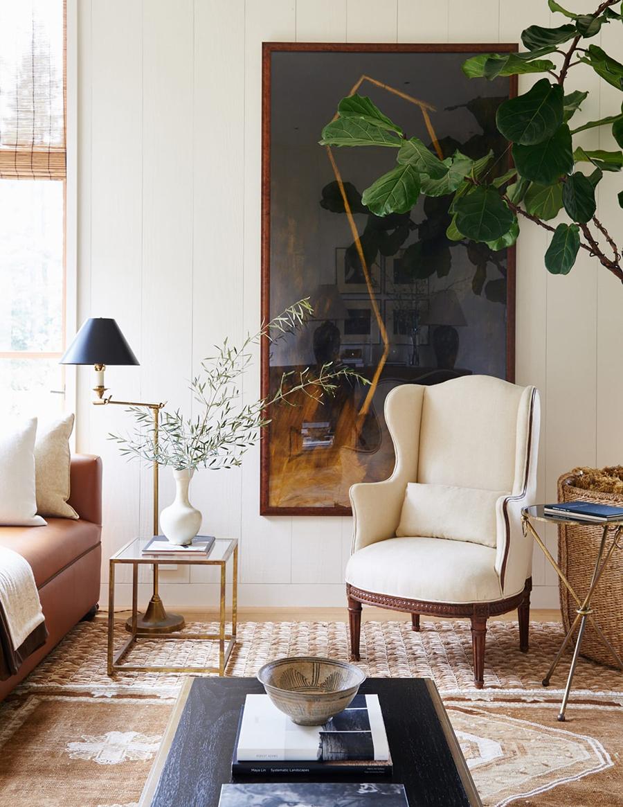 Una decoración clásica, con colores claros y piezas elegantes.