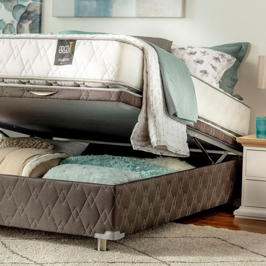 Las camas plegables permiten guardar ropa de cama u otros elementos, que se mantendrán ocultos.