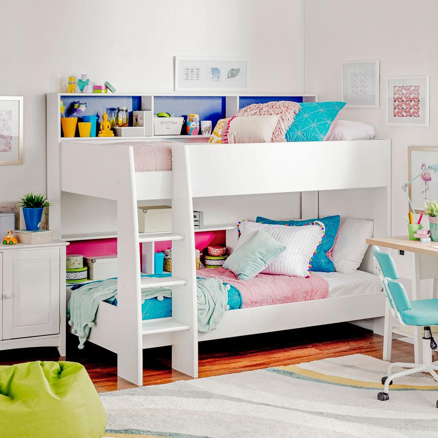 Unas lindas y cómodas estanterías para poner adornos o juguetes.