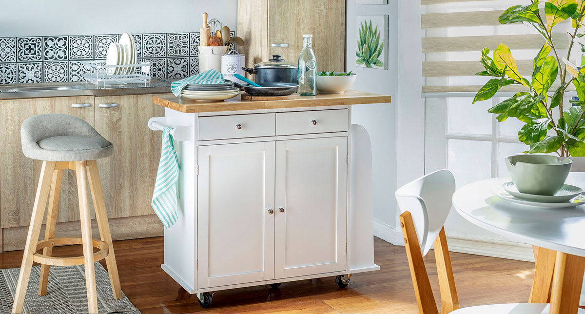 Isla de cocina blanca para un look moderno.
