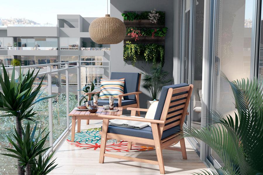 Un balcón con un juego de terraza.