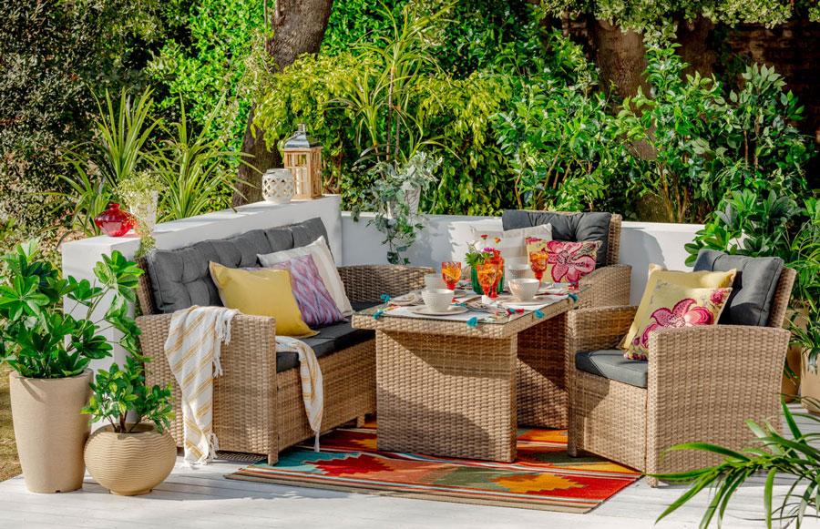 Los juegos de terraza de ratán tienen mucha resistencia y durabilidad ¡perfecta para exteriores!