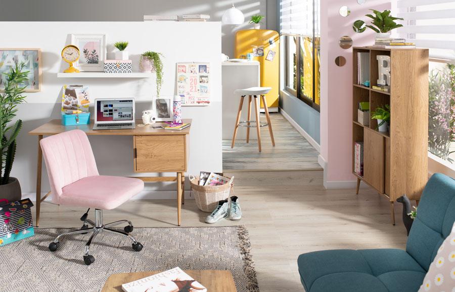 """Los muebles de patas largas se """"alejan"""" del suelo, por lo que tus espacios se verán más amplios."""