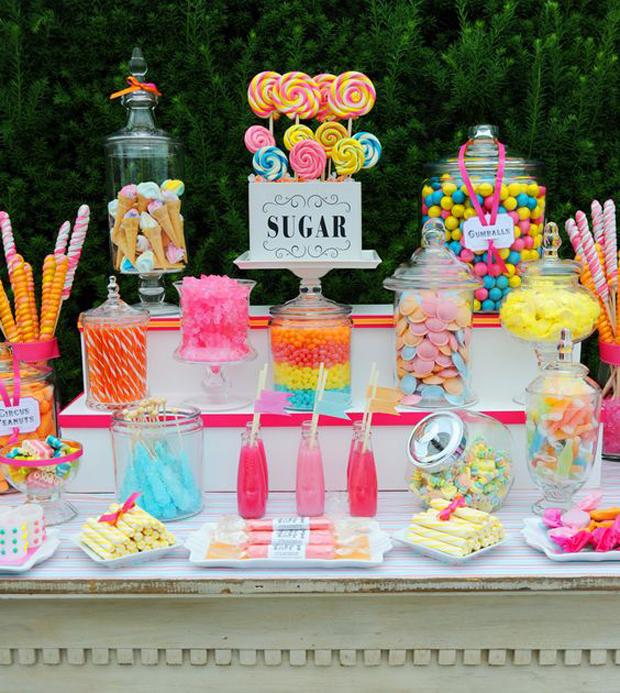 mesas dulces grandes y chicos dulces colores